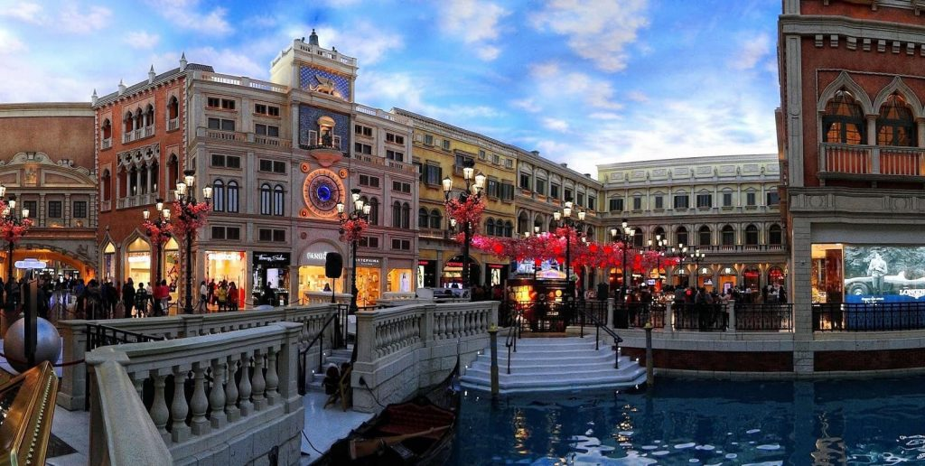 It's easy to loose track of time when strolling through the immersive Venetian pathways within the building