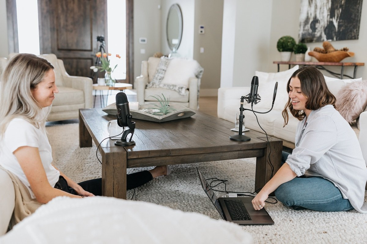 Top Podcasts for Women in their 30s